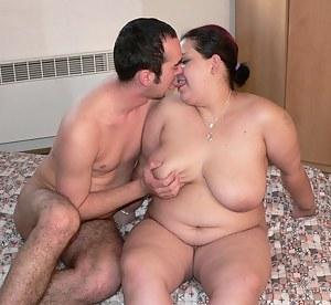 Big Tits Kissing Porn Pictures